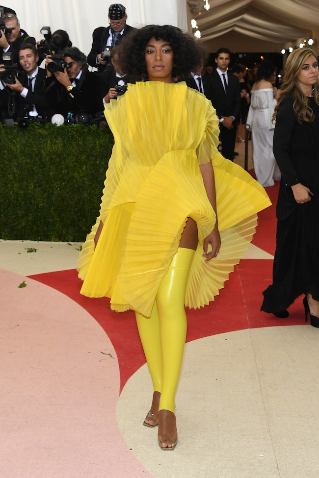 """NEW YORK, NY - MAY 02:  Solange Knowles attends the """"Manus x Machina: Fashion In An Age Of Technology"""" Costume Institute Gala at Metropolitan Museum of Art on May 2, 2016 in New York City.  (Photo by Larry Busacca/Getty Images)"""
