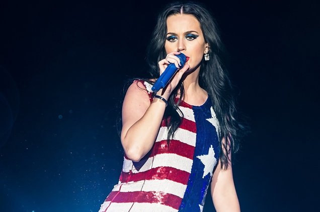original_katy-perry-performance-american-flag-2016-billboard-1548
