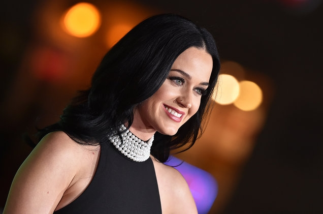 katy-perry-dec-7-2016-billboard-1548